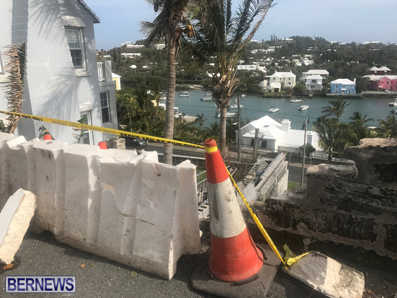 Overturned Car Bermuda April 11 2018 (3)