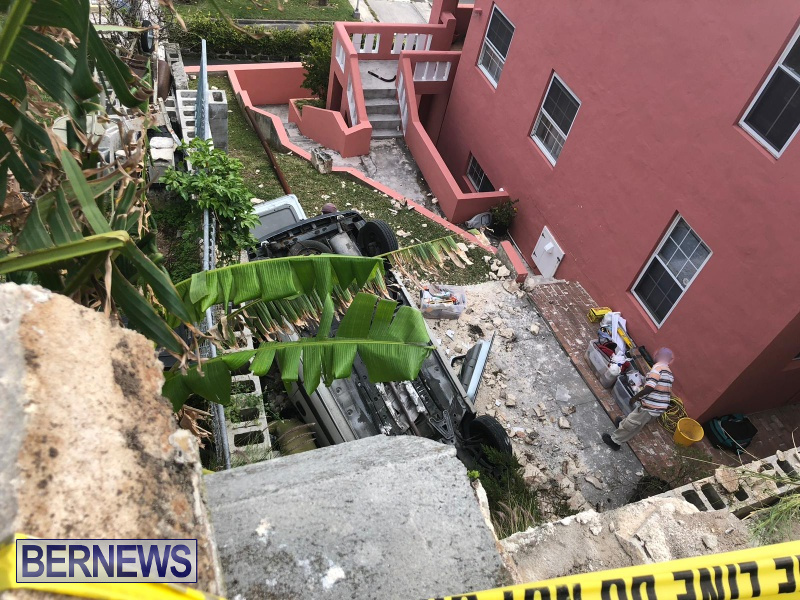Overturned Car Smashed Wall Bermuda, April  11 2018 (5)