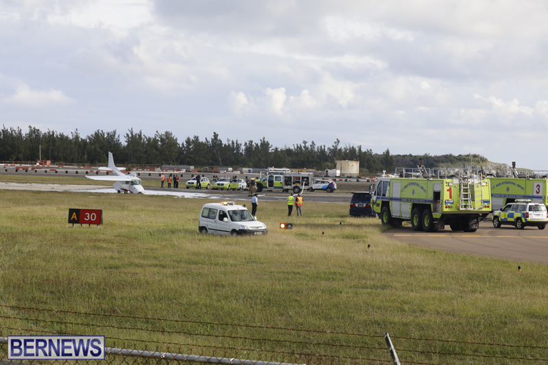 Scene-At-Airport-Bermuda-April-30-2018-3