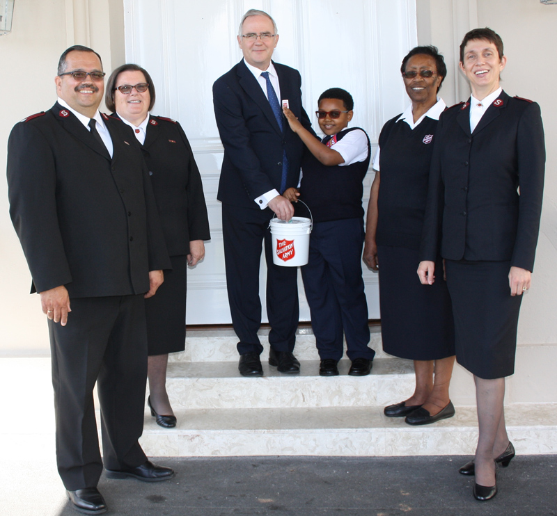 Salvation Army Tag Day Bermuda May 2018