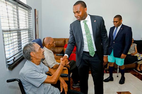Premier Visits Seniors Homes Bermuda June 25 2018 (1)