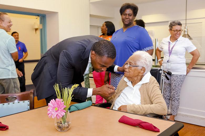 Premier Visits Seniors Homes Bermuda June 25 2018 (10)