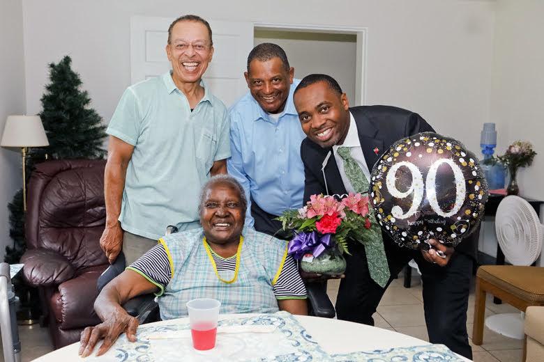 Premier Visits Seniors Homes Bermuda June 25 2018 (6)