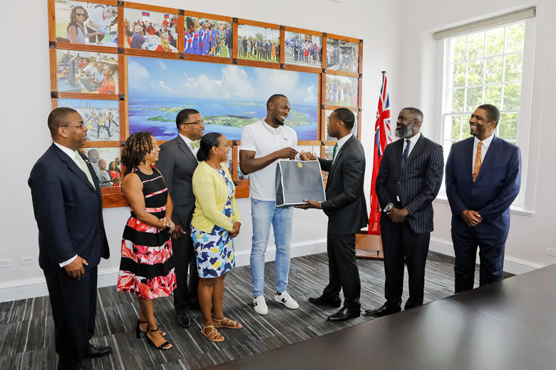 Premier Welcomes Usain Bolt To Cabinet Office Bermuda June 26 2018 (5)