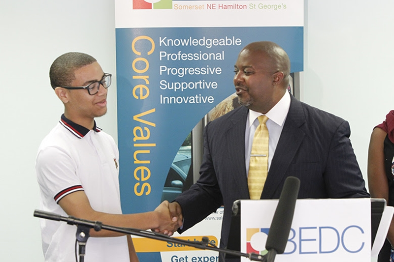 9378_WORKFORCE_DEV_MINISTER_PRESS_CON_BEDC_SUMMER_STUDENT_PROGRAM_0029_JS[1]