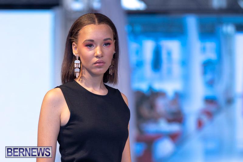 Bermuda-Fashion-Festival-Evolution-Retail-Show-July-8-2018-5191