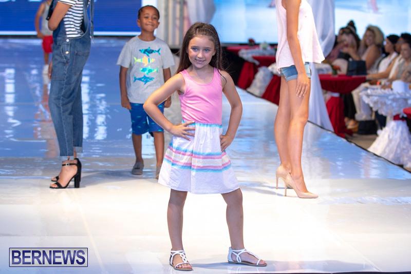 Bermuda-Fashion-Festival-Evolution-Retail-Show-July-8-2018-5271