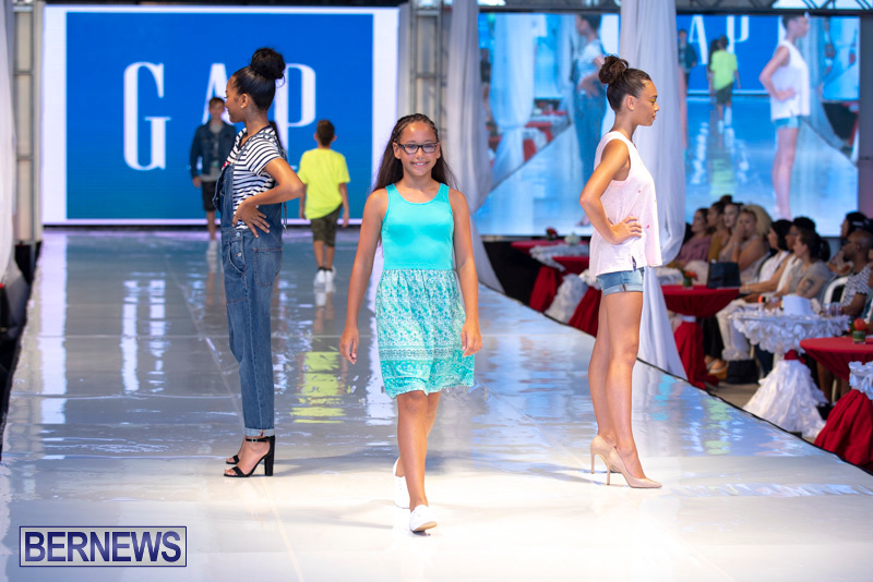 Bermuda-Fashion-Festival-Evolution-Retail-Show-July-8-2018-5298