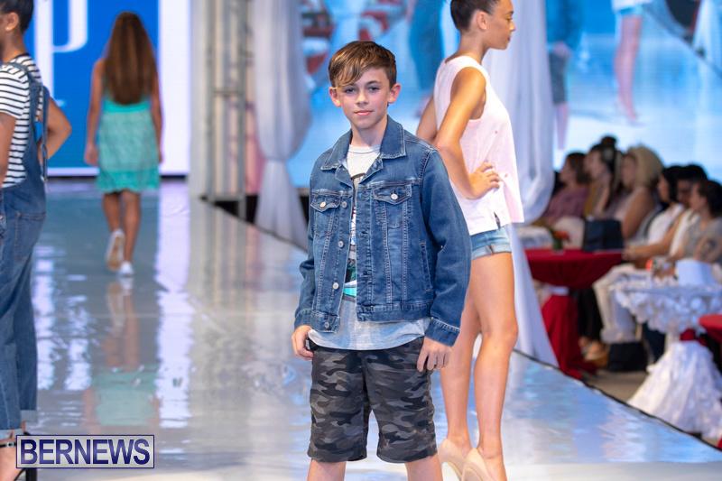 Bermuda-Fashion-Festival-Evolution-Retail-Show-July-8-2018-5307