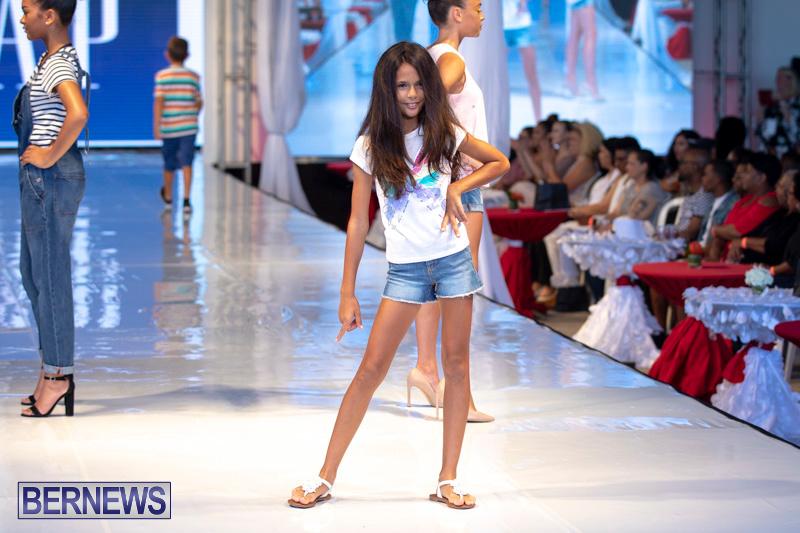 Bermuda-Fashion-Festival-Evolution-Retail-Show-July-8-2018-5324
