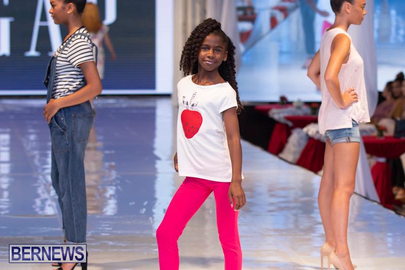 Bermuda-Fashion-Festival-Evolution-Retail-Show-July-8-2018-5349