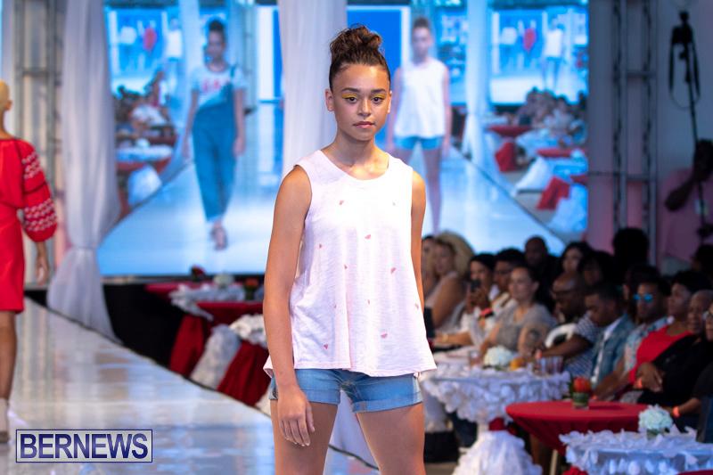 Bermuda-Fashion-Festival-Evolution-Retail-Show-July-8-2018-5577