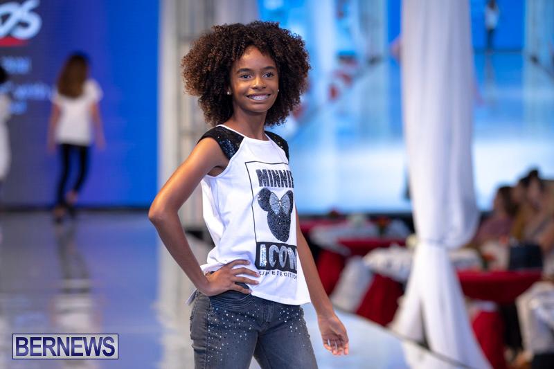 Bermuda-Fashion-Festival-Evolution-Retail-Show-July-8-2018-5653