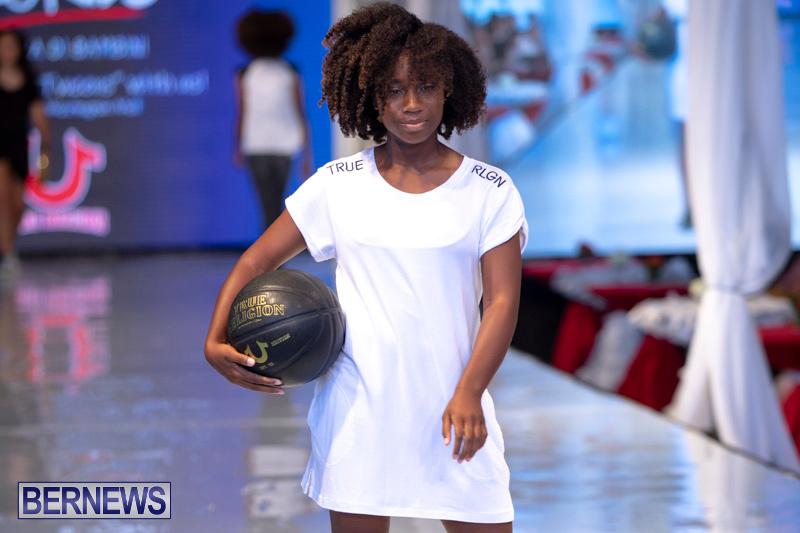 Bermuda-Fashion-Festival-Evolution-Retail-Show-July-8-2018-5667