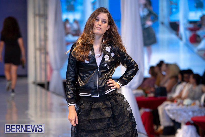 Bermuda-Fashion-Festival-Evolution-Retail-Show-July-8-2018-5701