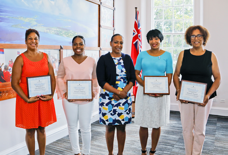 Bursary Award Presentation Bermuda July 2018 (2)