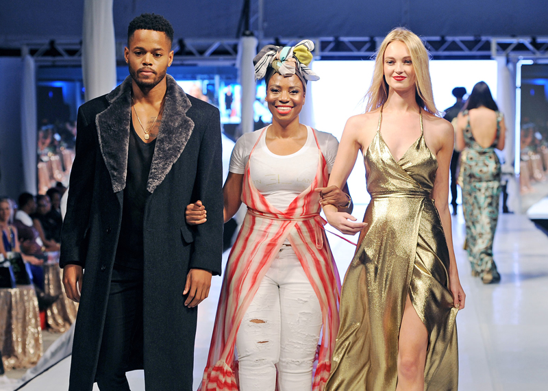Evelyn with models Bermuda Fashion Festival July 2 2018 2