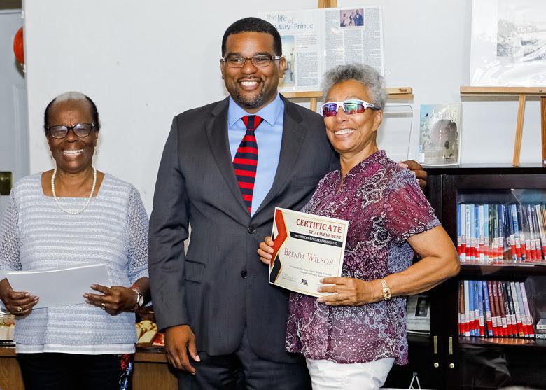 Senior Writers Certificate Presentations Bermuda July 2018 (1)