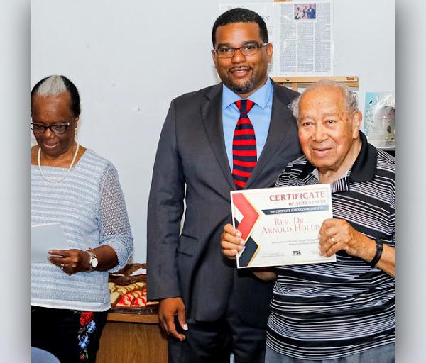 Senior Writers Certificate Presentations Bermuda July 2018 (5)