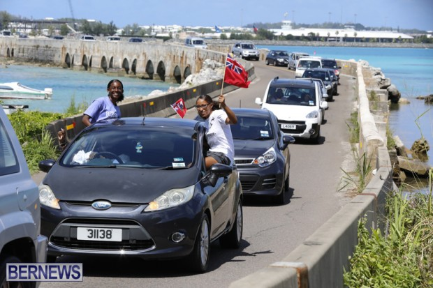 Bermuda U15 football team motorcade August 14 2018 (8)