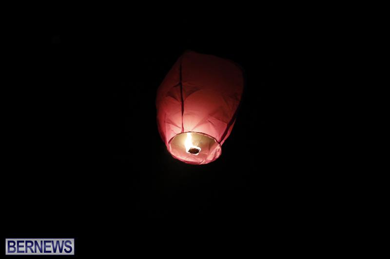Candlelight Vigil Southampton Bermuda August 30 2018 (11)