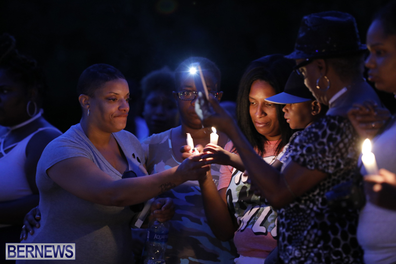 Candlelight Vigil Southampton Bermuda August 30 2018 (4)