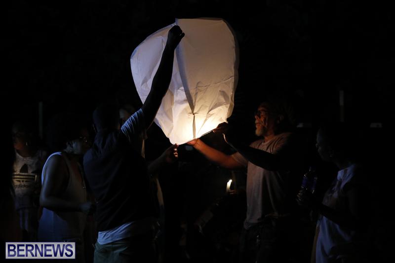 Candlelight Vigil Southampton Bermuda August 30 2018 (8)