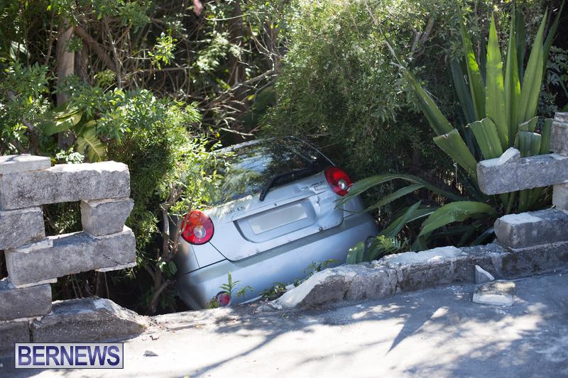 Car Wall Collision Riviera Estate Bermuda, August 25 2018 (1)
