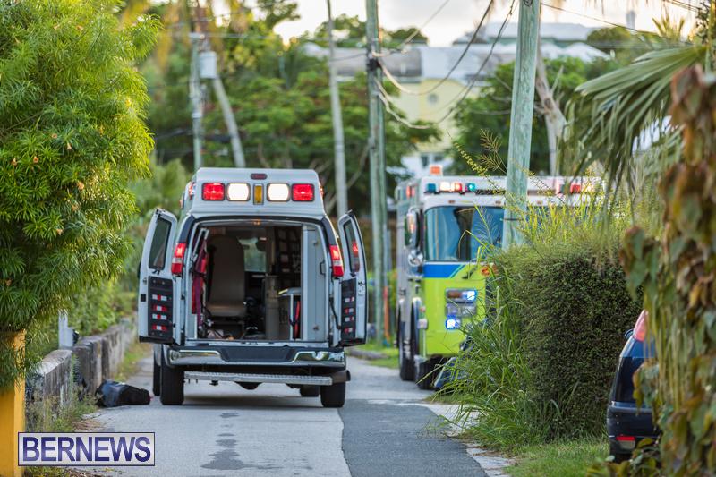 Fire Truck Ambulance Hook n Ladder Lane Bermuda Sept 9 2018 (2)