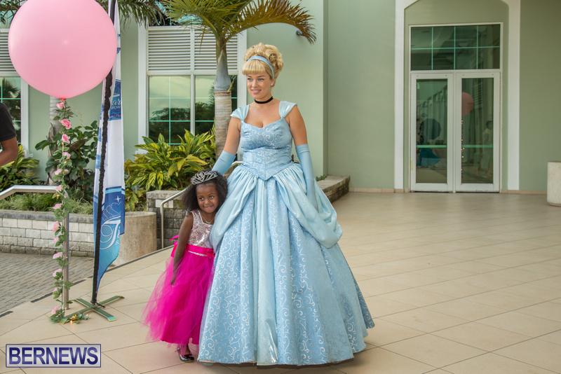 36-Tiaras-Bowties-daddy-Daughter-Dance-Bermuda-2017-39