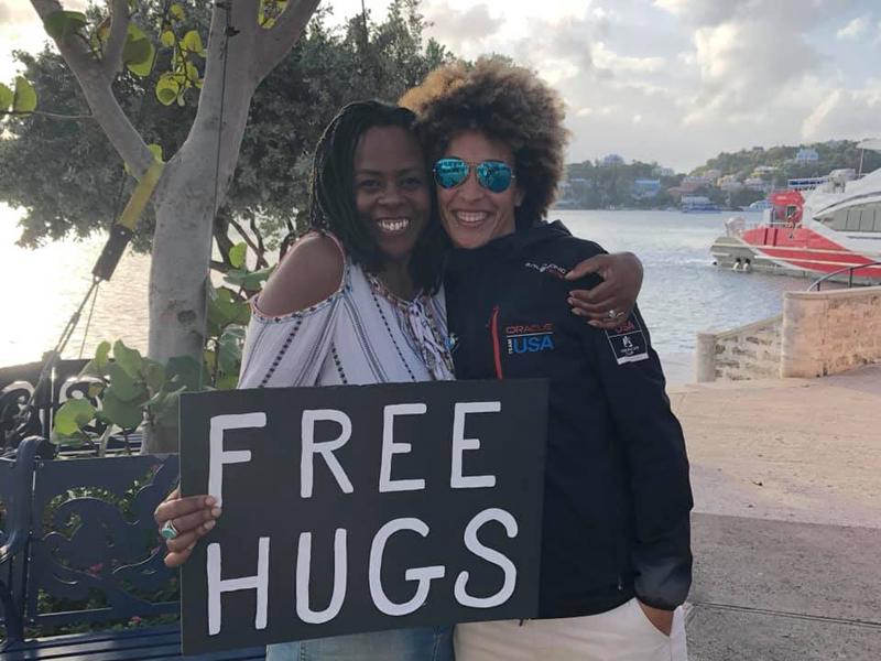 Free Hugs Bermuda October 2018 (3)