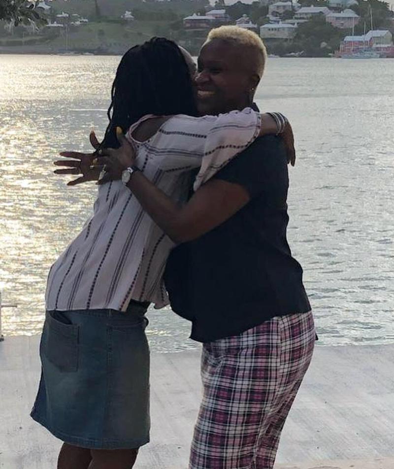 Free Hugs Bermuda October 2018 (6)