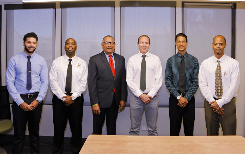 Minister with engineers Bermuda Oct 29 2018 (3)