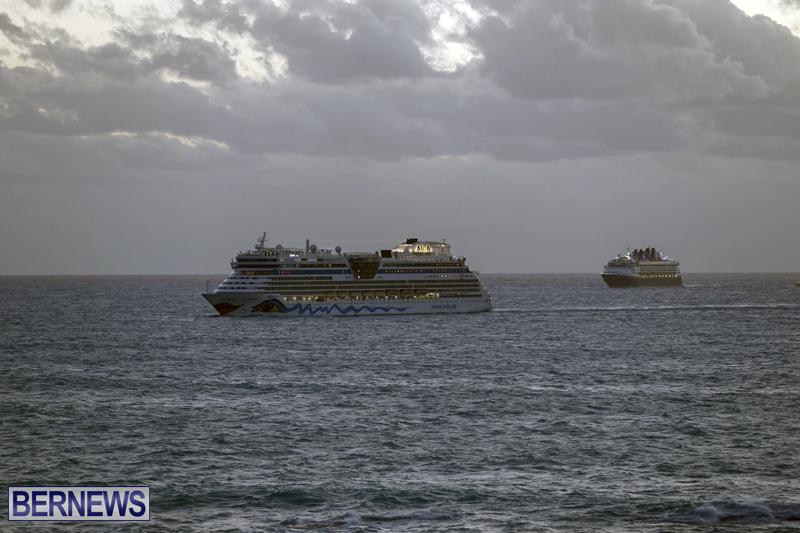 cruise ships arriving Bermuda Oct 31 2018 (9)