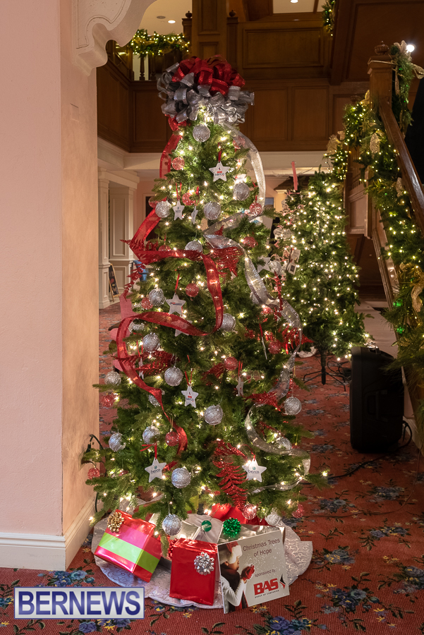 Fairmont Southampton Christmas tree Bermuda Nov 2018 (3)