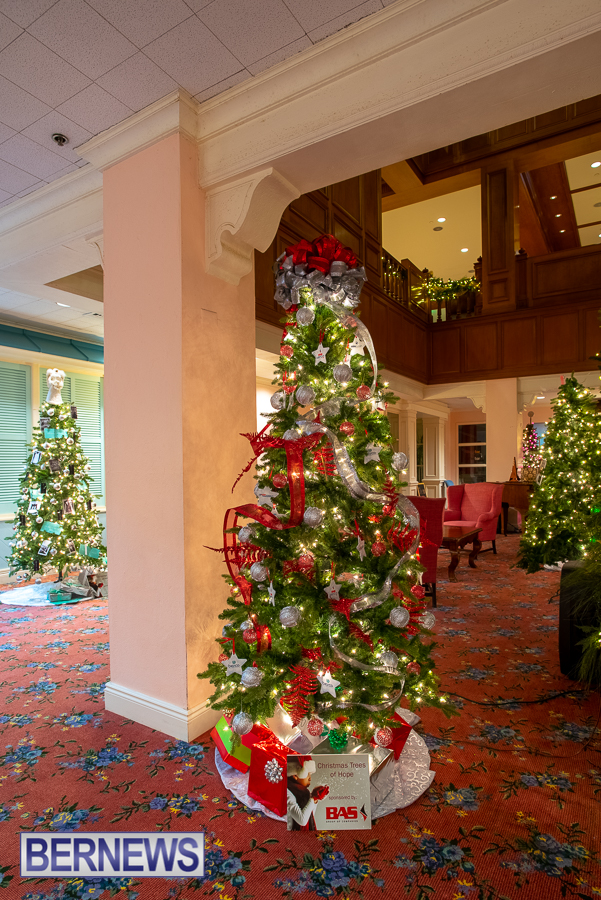 Fairmont Southampton Christmas tree Bermuda Nov 2018 (4)