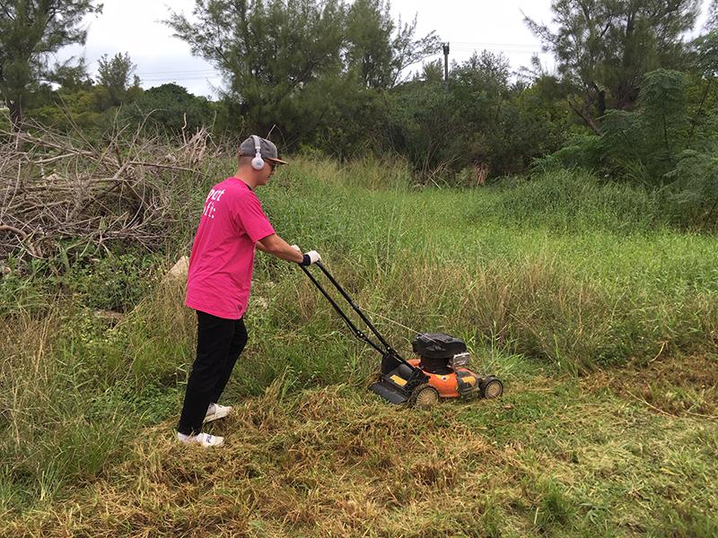 PwC Volunteers Helps Southlands Park  Bermuda Nov 26 2018 (5)