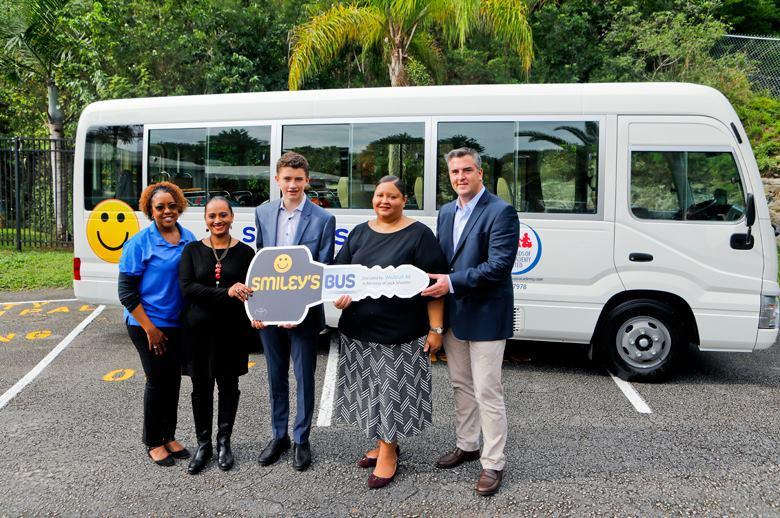Smiley's Bus Bermuda Nov 22 2018 (3)