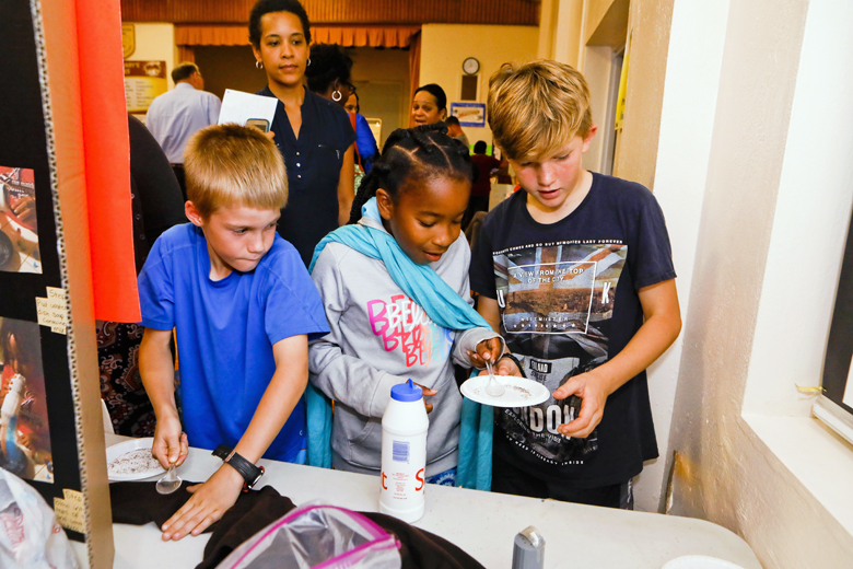 Somerset-Primary-School-Science-Fair-Bermuda-Nov-22-2018-23