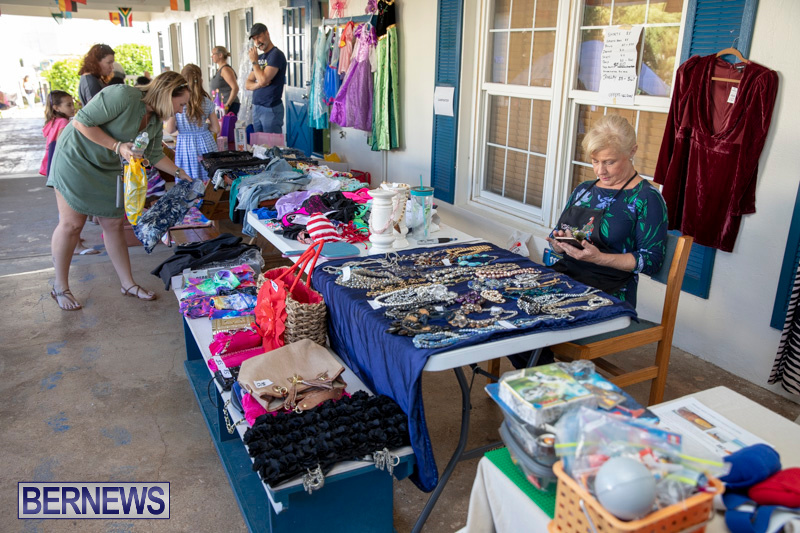 Somersfield-Academy-Peddlers-Artisans-Porch-flea-market-sale-Bermuda-November-3-2018-3790