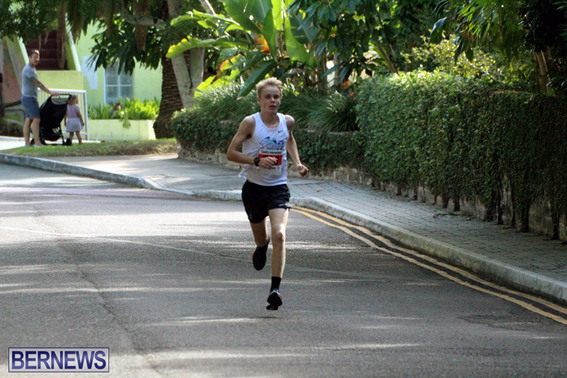 road-running-Bermuda-Nov-7-2018-1