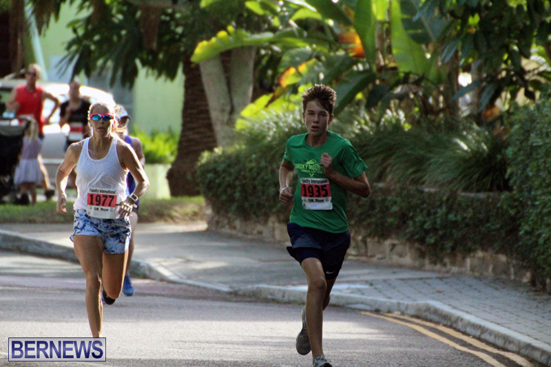road-running-Bermuda-Nov-7-2018-12