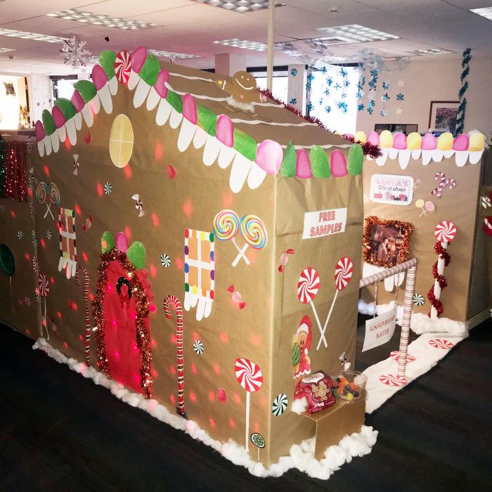 BHB Christmas Gingerbread cubicle Bermuda 2018 2 (1)