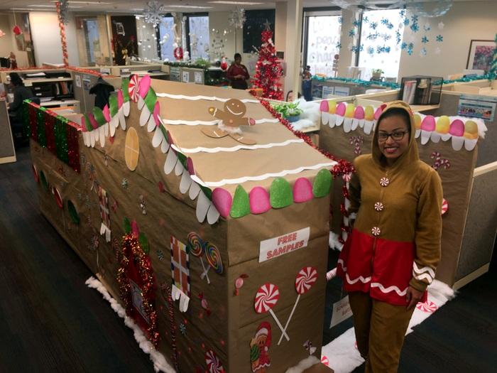 BHB Christmas Gingerbread cubicle Bermuda 2018 2 (2)
