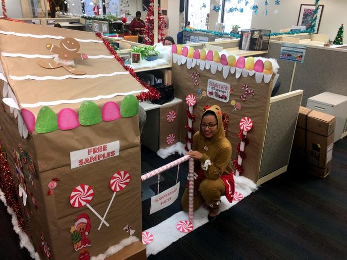 BHB Christmas Gingerbread cubicle Bermuda 2018 2 (4)