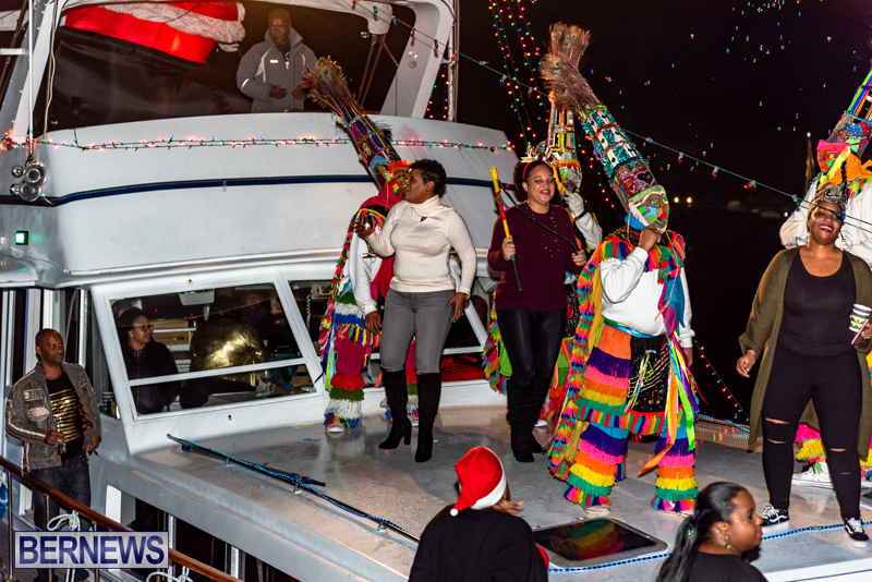 Christmas-Boat-Parade-Viewing-Village-Bermuda-Dec-2018-15