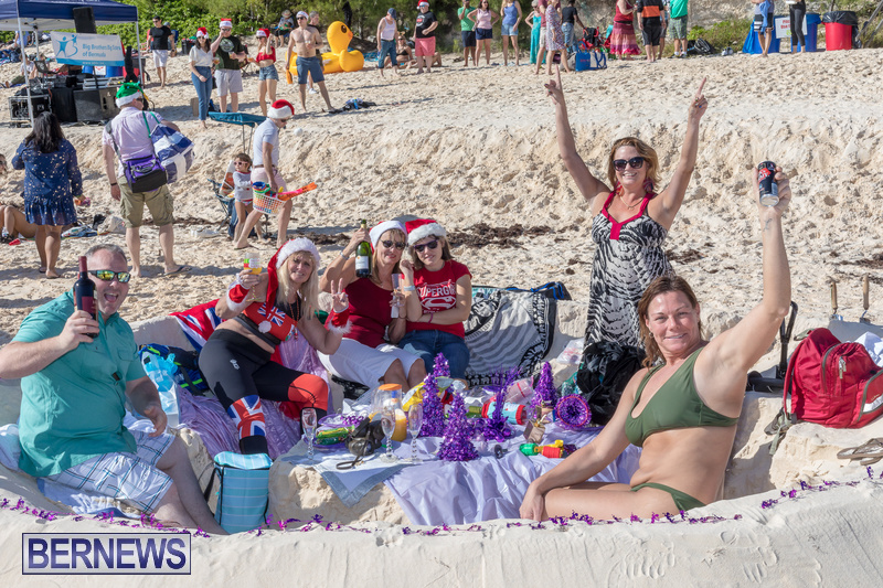 Christmas-Day-Bermuda-at-Elbow-Bay-Beach-2018-DF-10