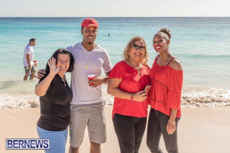 Christmas-Day-Bermuda-at-Elbow-Bay-Beach-2018-DF-17