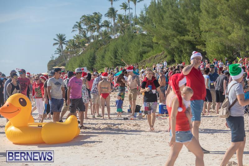 Christmas-Day-Bermuda-at-Elbow-Bay-Beach-2018-DF-26