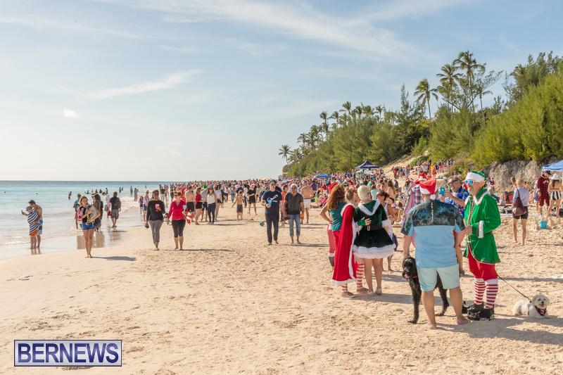 Christmas-Day-Bermuda-at-Elbow-Bay-Beach-2018-DF-5